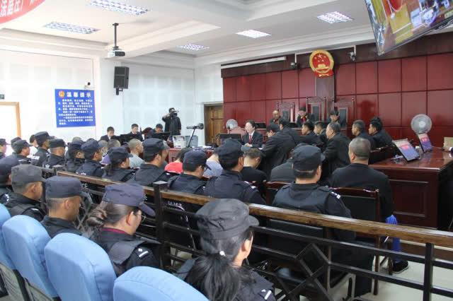 组织卖淫、寻衅滋事、抢劫 丽江玉龙法院公开宣判一15人涉恶案 (1)