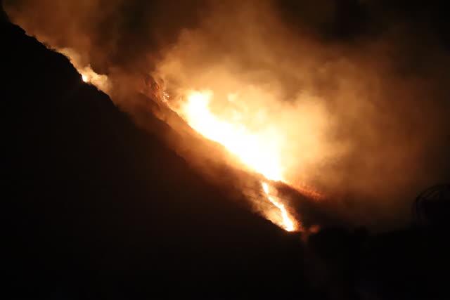大理州森林消防支队100名指战员抵达 (2)